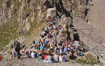 Colle di Finestra, 2.474 m, links Frankreich, rechts Italien - Foto: © Wolfram Mikuteit