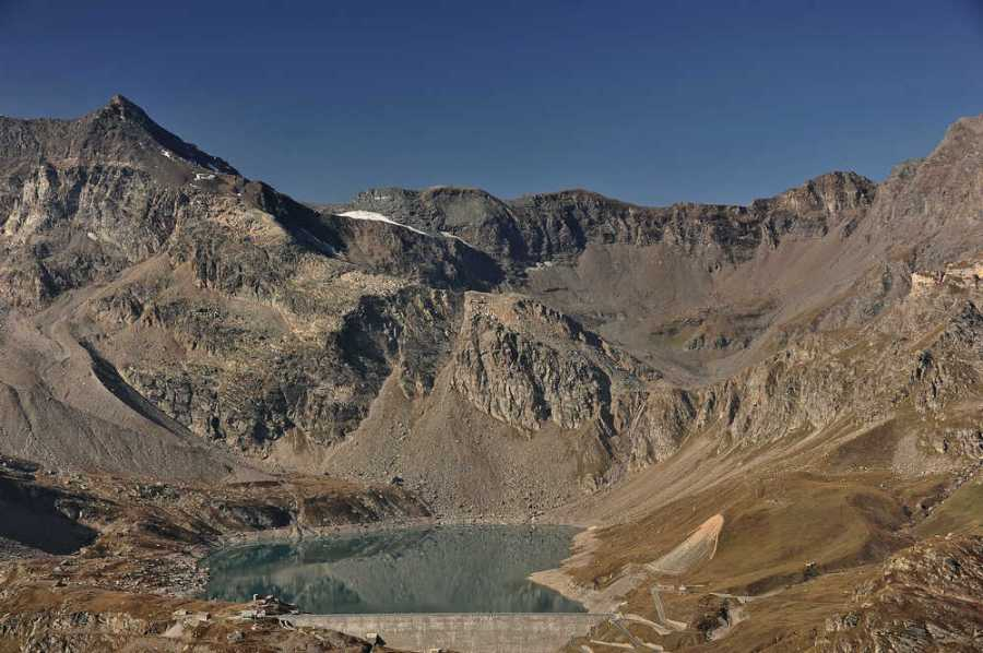 Lago Serrù mit Colle Galisia. Foto: © Wolfram Mikuteit